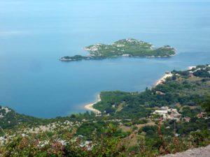 остров в Скадарском озере