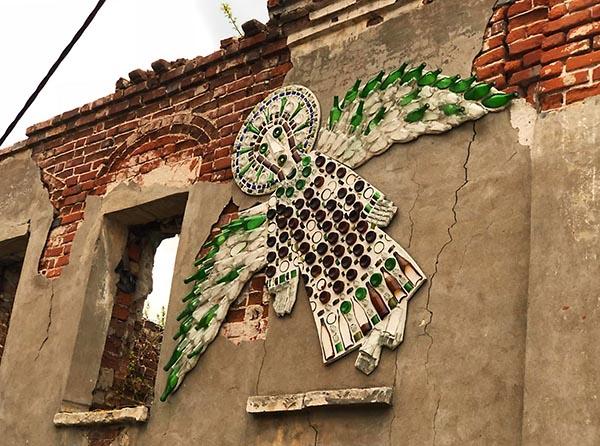 ангел на стене