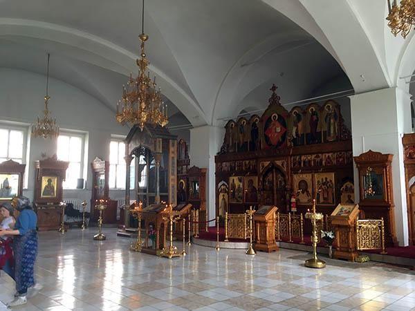 бобренев монастырь внутри